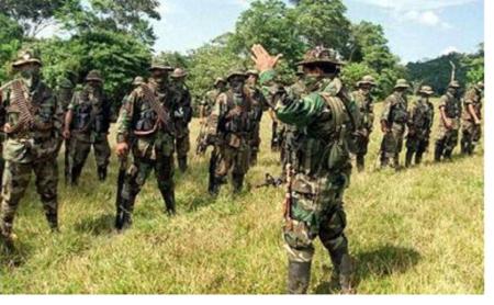 Alerta por grave situación de derechos humanos en el nororiente de Colombia - paramilitares_1_