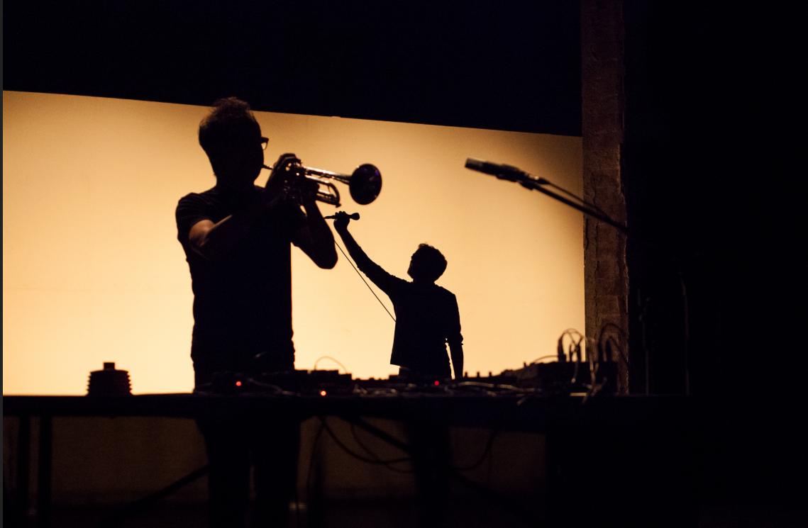 Barba Corsini: una mezcla de electrónica y poesía llega a Bogotá - barba-corsiny