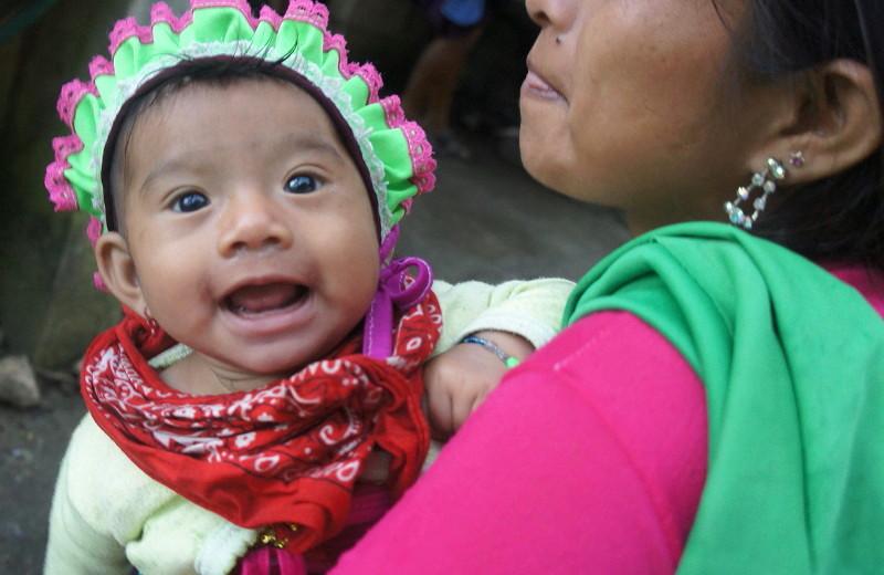 El EZLN celebra los 25 años del levantamiento armado declarando la guerra al olvido - Bebé-Zapatista.-La-Realidad-Selva-Lacandona.-Foto-Carlos-de-Urabá.