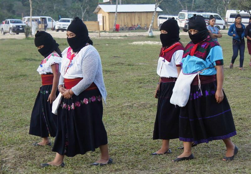 El EZLN celebra los 25 años del levantamiento armado declarando la guerra al olvido - Militantes-zapatistas.-Guadalupe-Tepeyac-Selva-Lacandona.-Foto-Carlos-de-Urabá.