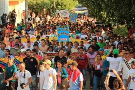 Análisis El permanente desconocimiento estatal al campesinado - movilizacion_campesina_en_tibu_norte_de_santander_-_prensa_rural_1_