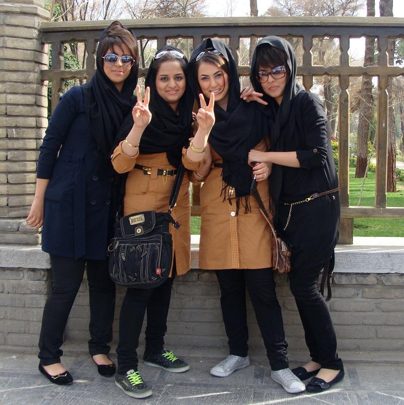 Se cumplen 40 años del triunfo de la revolución islámica de Irán - Feministas-iraníes-en-lucha-contra-el-patriarcado.-Isfahán.-Foto-Caerlos-de-Urabá.