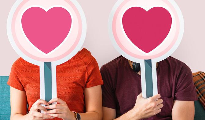 """""""La búsqueda activa del amor es un tabú que se ha roto con las apps de citas"""" - adult-art-board-1449059_image671_405"""