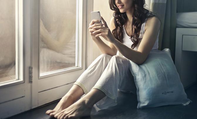"""""""La búsqueda activa del amor es un tabú que se ha roto con las apps de citas"""" - adult-beautiful-beauty-915051_image671_405"""