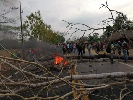 Campesinos del Alto Sinú se mantienen en movilizaciones - img-20190227-wa0256_1_