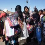 El nuevo orden turístico mundial. Lo que no había logrado el imperialismo agresor lo ha conseguido el turismo depredador - Indigenas-de-Chiapas-Vendedoras-ambulantes-San-Cristobal-de-las-Casas-México-Foto-Carlos-de-Urabá-150x150
