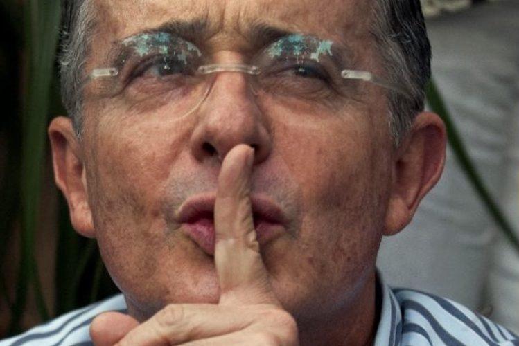 Uribe enjuiciado por soborno y fraude procesal, aunque no por sus matanzas - Uribe-Vélez-el-poder-en-la-sombra