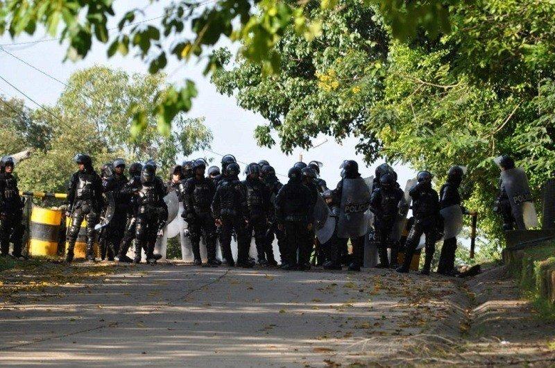 Familias campesinas e indígenas son atacadas por el ESMAD en Mapiripán - ESMAD-campesinos