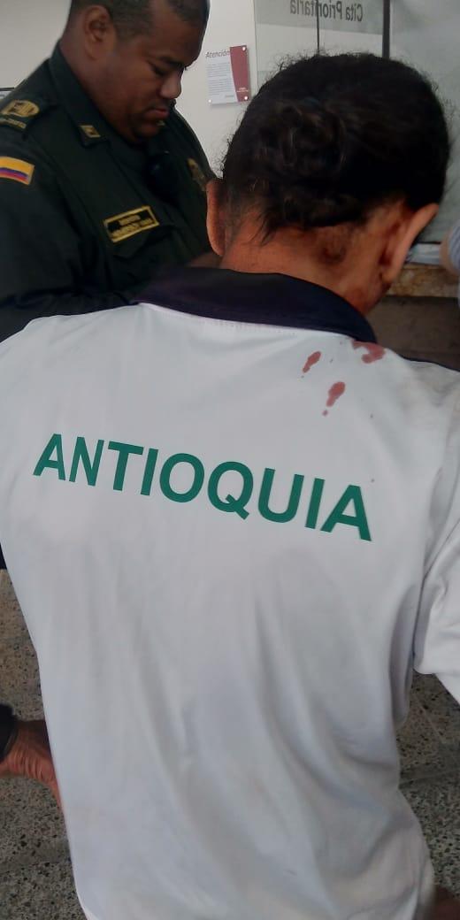 Antioquia Ciudadano estadounidense agrede a militante comunista de tercera edad en Envigado - whatsapp_image_2019-08-08_at_14.26.12