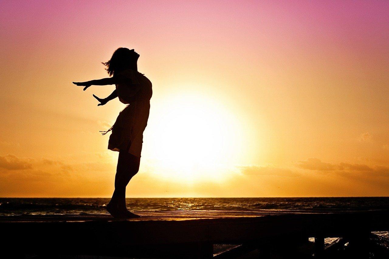 Consejos para mejorar tu calidad de vida - woman-570883_1920