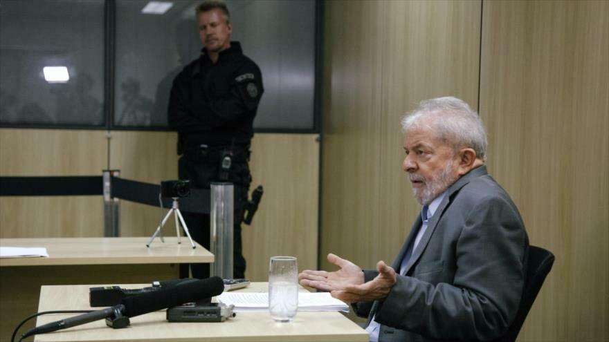 El expresidente de Brasil Luiz Inácio Lula da Silva durante una entrevista con un medio español, 26 de abril de 2019. (Foto: AFP)