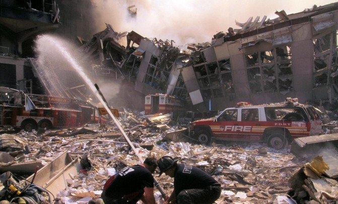 ¿Por qué siguen muriendo los bomberos y policías del 11S? - 29318289912_2fe0e6cda6_h_image671_405