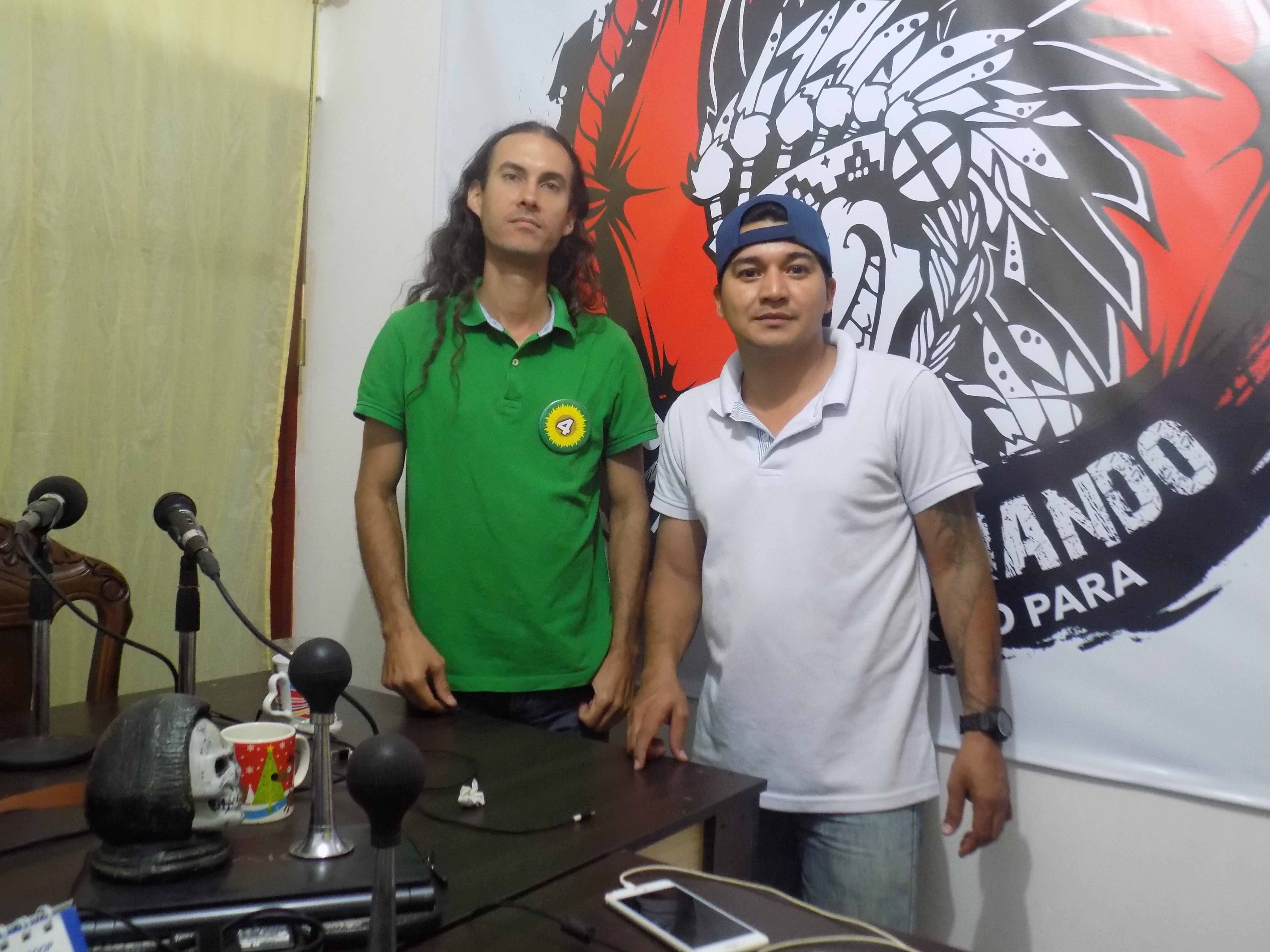 ENTREVISTA EN PACHICHANIANDO CON DAVIS TRAVIS Y TERRY HURTADO - DSCN0026