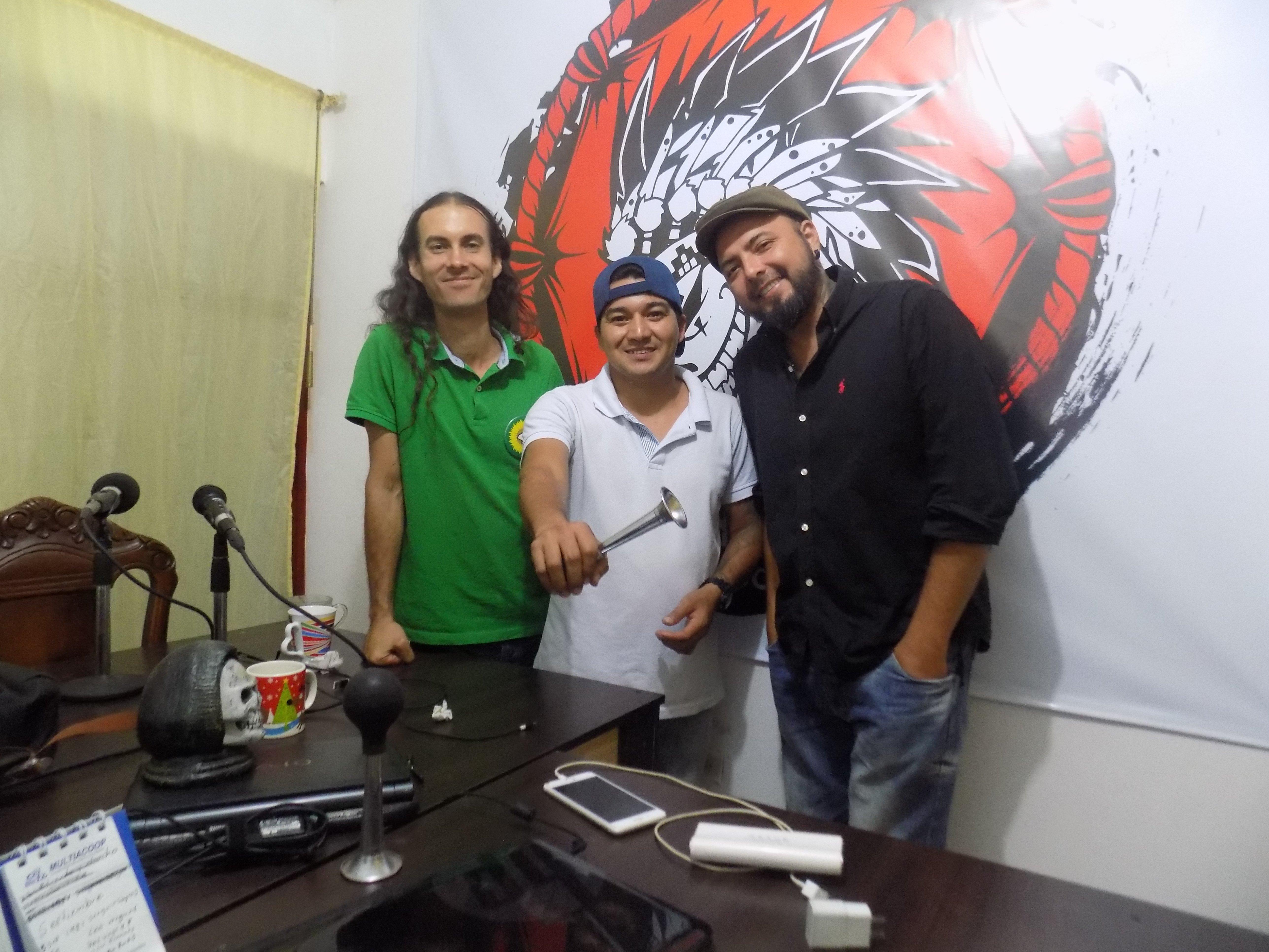 ENTREVISTA EN PACHICHANIANDO CON DAVIS TRAVIS Y TERRY HURTADO - DSCN0027