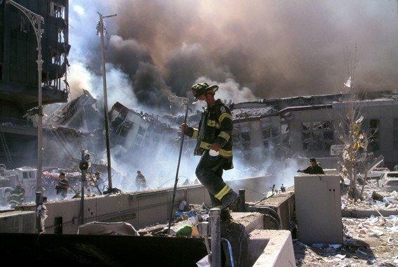 ¿Por qué siguen muriendo los bomberos y policías del 11S? - Por-que-siguen-muriendo-los-bomberos-y-policias-del-11S_image_380