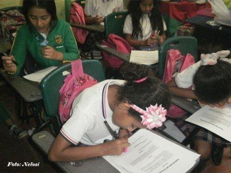 Tolima Niños Cañón del Combeima firman pacto de amor por la lectura - ninos-combeima-firman-pacto-de_amor-por-la-lectura_1_