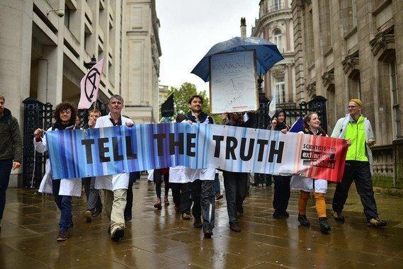 Algunos de los firmantes de la declaración en una manifestación el pasado 12 de octubre en Londres / Extinction Rebellion