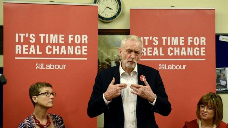 Líder del Partido Laborista Jeremy Corbyn, en un evento de campaña electoral en West Midlands, Reino Unido, 21 de noviembre de 2019. (Foto: AFP)