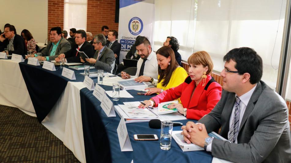 ¿De cuánto sería el aumento salarial para el 2020 en Colombia? - 5c11b56fb4562