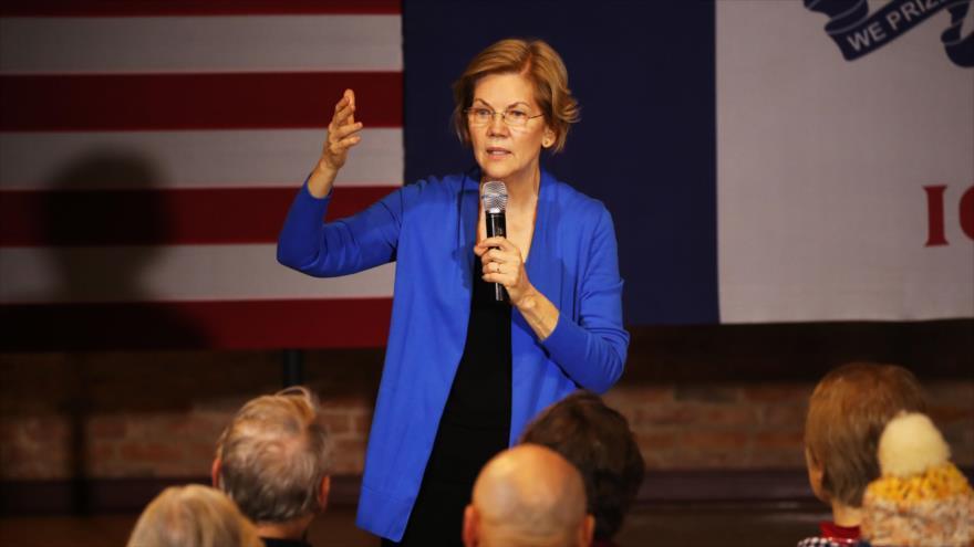 La senadora demócrata Elizabeth Warren habla en una campaña electoral, Newton, Iowa, 17 de enero de 2020. (Foto: AFP)