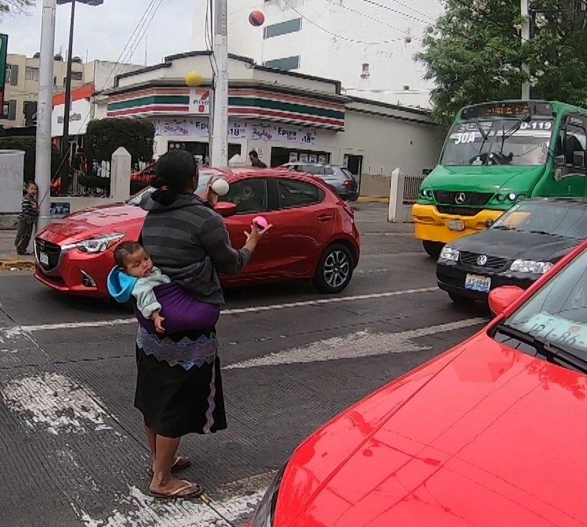 Cuando la patria se convierte en un semáforo - Circo-Urbano-Guadalajara.-IV-foto-Carlos-de-Urabá
