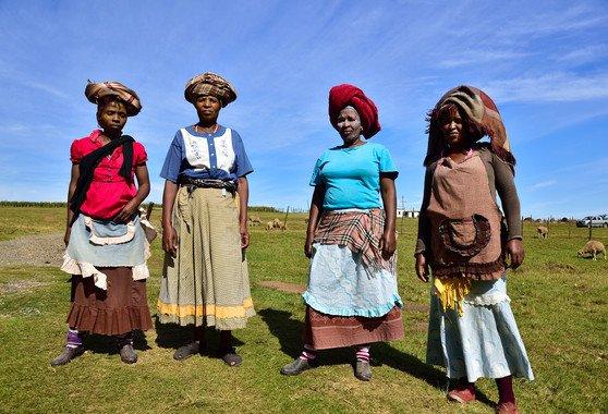 Mujeres Xhosa en la provincia de Cabo Oriental, Sudáfrica. / Wikimedia Commons