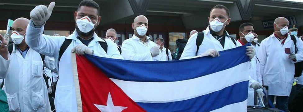 Cuba denuncia ataque de EEUU contra colaboración médica - Medicos-cubanos-llegan-Italia-coronavirus_EDIIMA20200323_0016_3