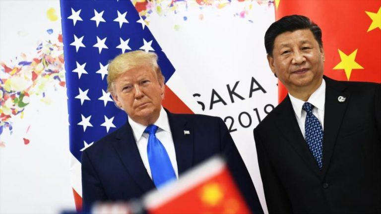 El presidente chino, Xi Jinping (dcha.), y su par estadounidense, Donald Trump.