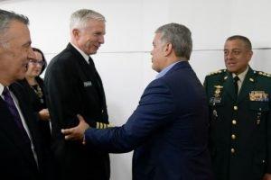 El Comando Sur de Estados Unidos, almirante Craig Faller y el ministro de de Defensa de Colombia, Carlos Holmes Trujillo