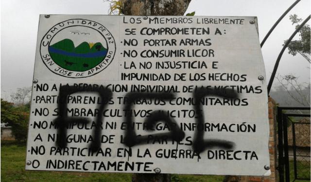Denuncia: El paramilitarismo controla la región de San José de Apartado - Grafitis-AGC-San-Jose-Apartado-Comunidad-Paz_19-04-16_Foto-Acasa