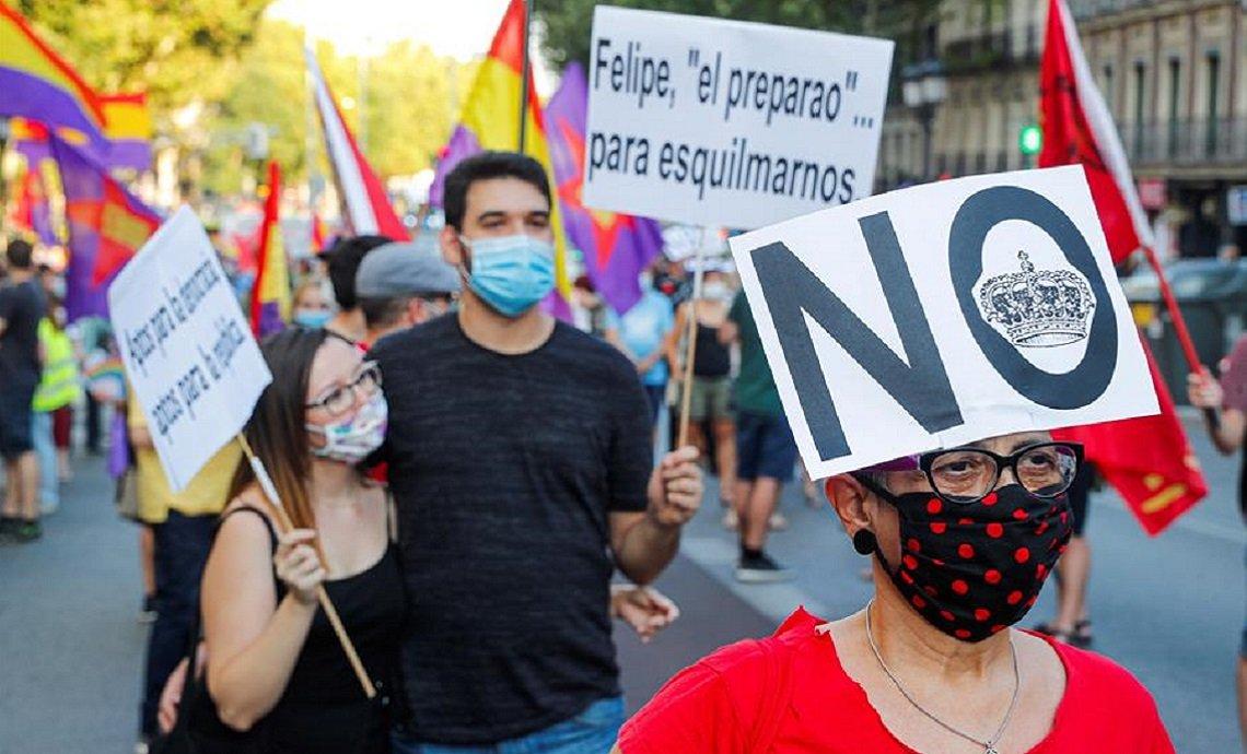 Protestan en España contra la monarquía corrupta y antidemocrática - 774e3dceb9478349130256c41d6d817b10a1abd3w