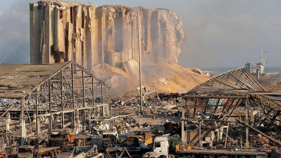 Beirut, sangre y fuego: Vi gente volando por el aire - 03433129