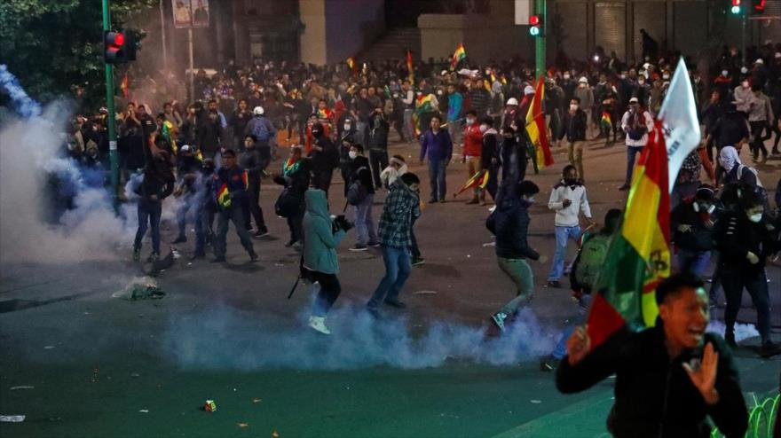 Oficiales bolivianos serán enjuiciados si no declaran por represión - 09404799_xl