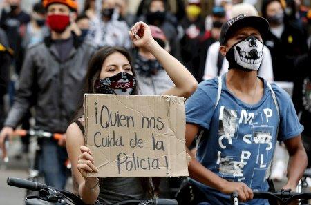 Análisis:  Se desnudó una profunda frustración social con las fuerzas de seguridad - protesta_policias