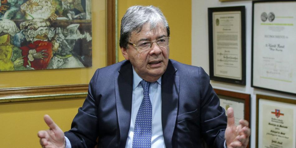 El ministro de la Defensa debe renunciar, por el bien de Colombia - Ministro-de-la-Defensa-Carlos-Holmes-Trujillo