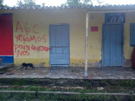 San José de Apartadó Hostigamiento auspiciado por paramilitares contra la comunidad de paz - comunidad_de_paz_3