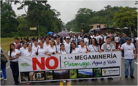 Putumayo Campesinos protestan contra fumigaciones, minería y por la educación - movilizacion_putumayo_1