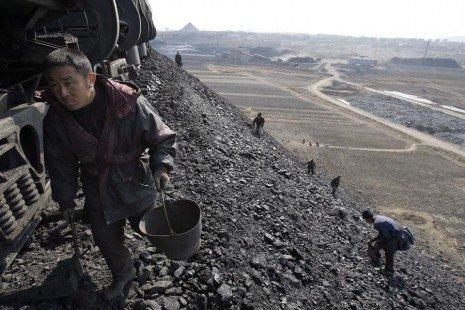 La demanda global de carbón cae un 5 % en 2020 y se estancará hasta 2025 - china-465x310-1