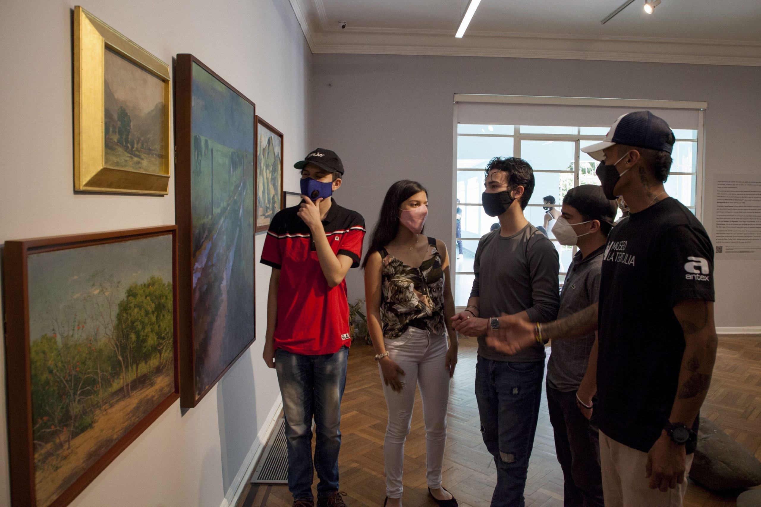 Barrio adentro: la exposición de La Tertulia creada por habitantes de Vista Hermosa - 1-scaled