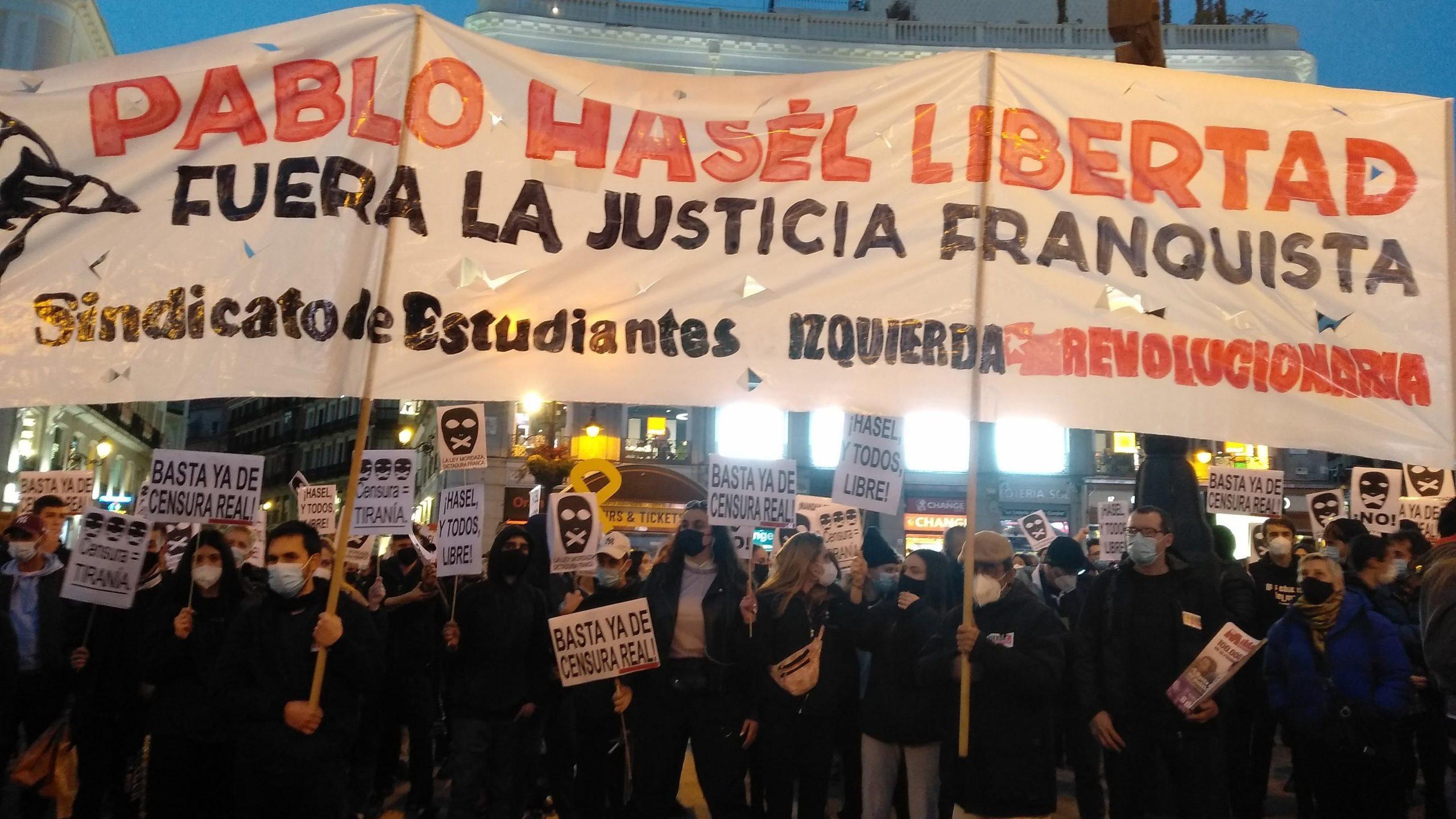Policía española reprime protesta por detención del rapero Hasél - 21434678-scaled