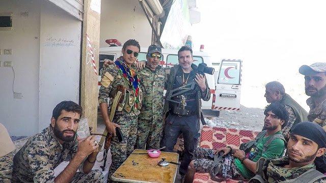 El viaje frenético de un periodista al corazón de la guerra en Kurdistán - El-viaje-frenetico-de-un-periodista-al-corazon-IMAGEN