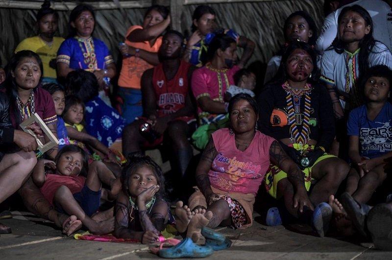 Sitiamiento y control paramilitar en comunidades Embera - Emberas-Alto-Guayabal