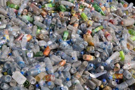 """ONU: El plástico contamina """"de forma desmedida"""" a las comunidades vulnerables - 8002547304001-465x310-1"""
