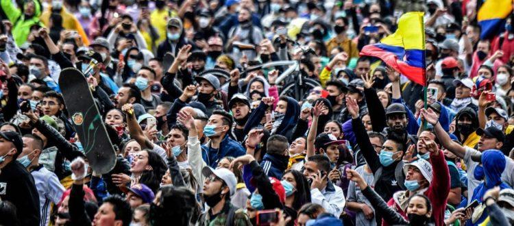 Los Colombianos no quieren ser tratados como espectadores. Presidente Duque, salga del estudio - Manifestacion-750x330-1