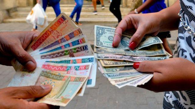 Cuba suspende los depósitos de dólares en efectivo - 118882399_gettyimages-1189548174