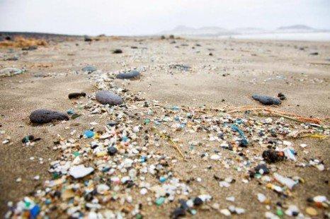 Varios países demandan un acuerdo vinculante contra el vertido de plásticos - CanariasPlastico-466x310-1
