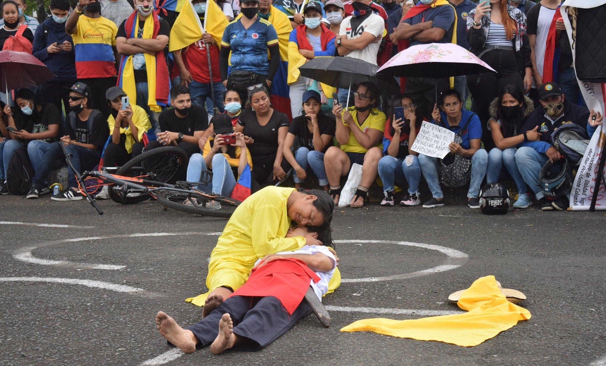 """""""La Cerdada"""", teatro social en el Paro Nacional - Tercera"""