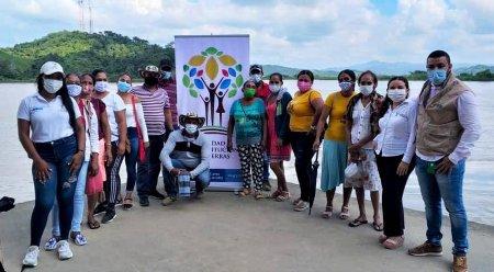 Reivindicando a las víctimas del despojo Se creó la red nacional de jóvenes de restitución de tierras - jove_